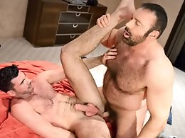 Bear Fun-Billy Santoro,Brad Kalvo