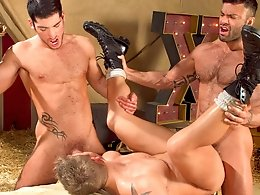 Behind The Big Top-Leo Domenico,Logan Vaughn,Rogan Richards