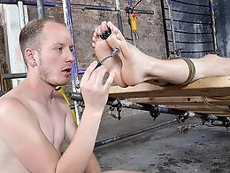 His Twink Feet Are Great For Wanking - Kamyk Walker and Sean Taylor