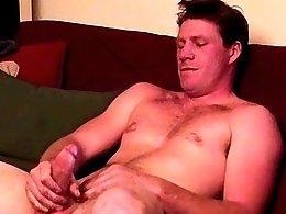 Big Tall Troy Jerks Off To Str8 Porn - Troy