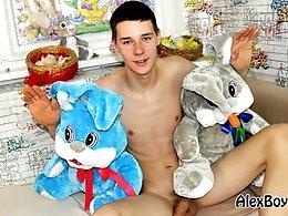 Twinks gets pleasured-Axel 5 - Easter Bunny